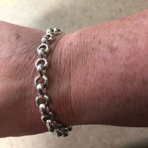 Small linked Sterling silver bracelet .925